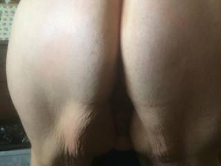 Wife 's sexy big ass bent over