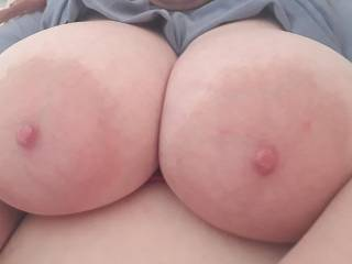 Hot day, nipples are quite puffy. Heard some of you like them puffy and big ;)