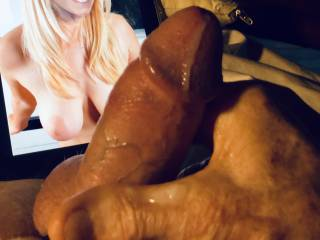 Sexy tits has me cuming.