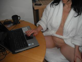 Got up in the morning - got tea, switched laptop on, logged into Zoig and saw some lovely comments on recent pics!! Always gets me wet! xxx  ..................Hope I helped a little......................