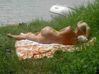 Clme in Greece...nice beaches,hot sun,and hot cock s waiting for yo my sdxy,hot lady...!!!!sweet kisses,allover yu!!!