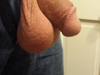 I want to take it in my mouth to feel it growing... love your cumfilled balls