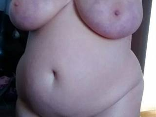 What a stunning body , C has magnificent large breasts, lovely big round belly,nice wide hips and sexy thick thighs...what more can a man want ????