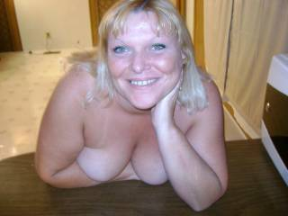 What a smile!! Beautiful! This lady could melt the hardest heart and harden the softest cock! 10/10 Super Sexy! xxx