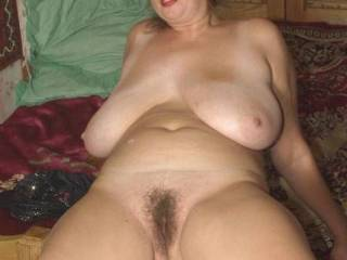huge floppy natural tits hang - I love the hairy pussy and big floppy tits! I'd like to bury