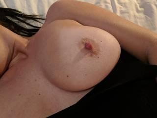 Love a good nip slip