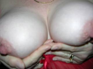 mmmmm you say you would suck me hard in 3 seconds.....here where im going to put it once you have xx babe you have amazing tits lets play xxx