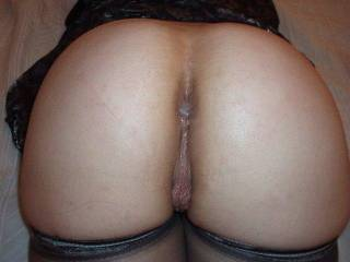 Mmmmmm she's so fucking delicious I want to fill her ass hole