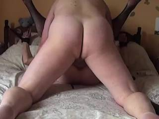 Sure would love to meet a woman that could take anal like that at least once in my life... would live to deposit my load deep in her.... great video!