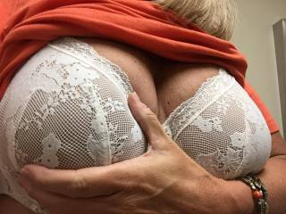 That's hot as hell!  Love those huge tits!