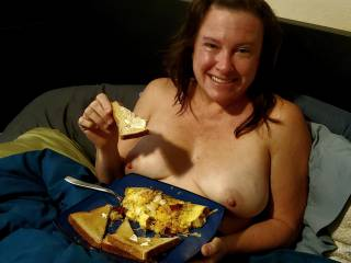 After an 8 hour fuck fest she deserved breakfast in bed