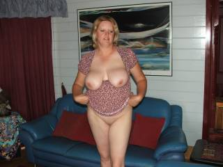 HUge tits = instant hard on for me.  Oh yes, those do the trick! Fucking hot babe!