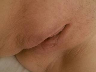 love to lick that sweet pussy to a creamy mess!!!! then slip my cock deep inside u until cum all over me!!