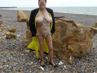 Hi all hope you like this set just needed to feel the sun on my skin dirty comments welcome mature couple