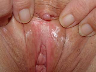 Hot pussy, love to lick and suck! Lucky guy!