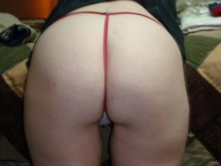 If you're realy amateur contact me please! I'm crazy for your big ass and i like very much your natural pics! I hope see you very soon in webcam...I want cum for you!