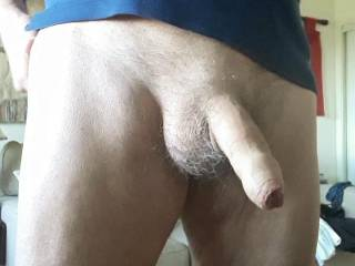 Always horny. Sometime just getting changed starts getting me hard. When do you get hard?