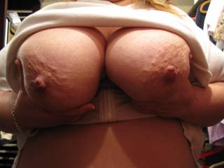 love those nice big tits would love to play with them :)