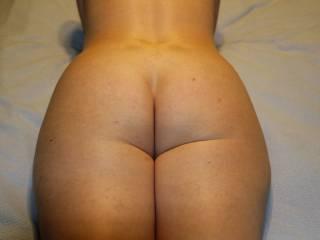 Mmmmmmmmm Hottttttt lil ass!!! Very Yummy...:)