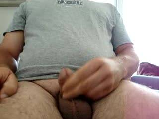 I like to watch u masturbating...nice small cock...these balls need to be licked !!