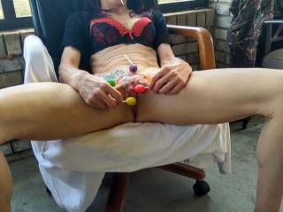 Damn, now that's how you make a great tasting pussy taste even better!!
