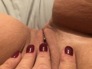 I would love to have a big fat dick in my little tight pussy!