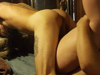 Exchanging private sex pictures
