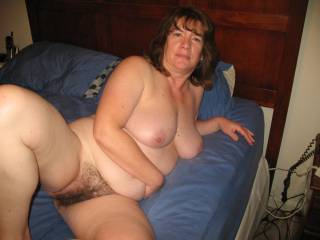 Like your thick sexy body,It would be a pleasure to please you from head to toe, And i damnn suer love your beautiful very hairy pussy,(Dont Shave)