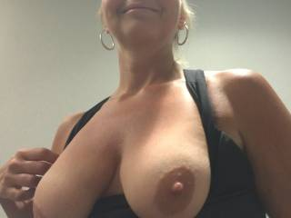 I just want to see someone cum all over my wifes tits - would love to watch on webcam, as they covered my wifes gorgeous big tits with cum