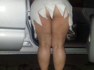 Would love to walk up behind you and give that pussy a deep hard fucking while slapping that ass