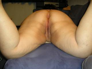 Mmmm.....i will lick every bit of that ass and pussy.