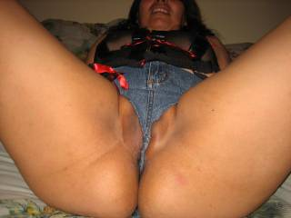 Love latinas!!!! Love the big sexy thighs the big bouncy ass and the juicy pussy!!!!