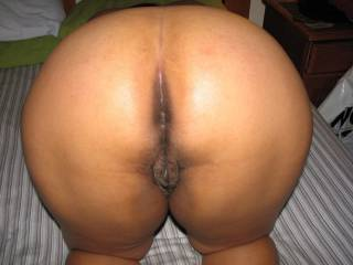 so would love to enter too!  love your sweet curves and position!!!