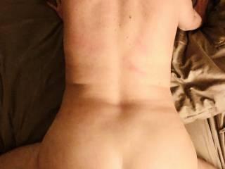 Feeling his cock in my eet pussy !!! Like mu fat ass how it looks?