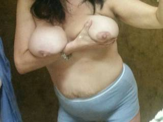 this is a friend of mine from Jackson tn. and she loves to fuck, she would do it for money as she needs a job but for 3 somes or small groups she is game. only thing no anal. and she has nice tits and awesome oral skills.