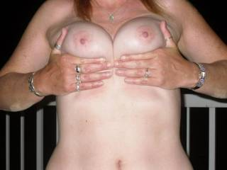 But of course I would like to suck and lick those beautiful tits and nipples !!!