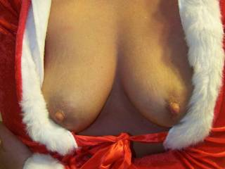 Incredibly Beautiful Breasts and Nipples!!!! Best present one could get...