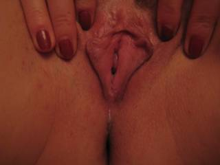 oh yes i would love to give her a good tongue lashing mmmm!!!!!
