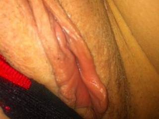 mmm yummy i want my tongue around that beauty xx