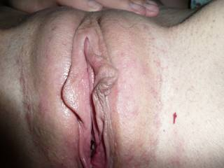 Love the little natural gape....would love to slide my tongue in there.