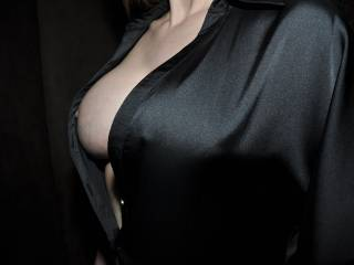 I'd love to see my Princess with your fabulous nipples in her mouth, you'd look good together ......Devil xxx