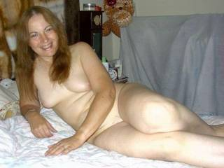 Goegeous lady. What a sexy body and beautiful smile.