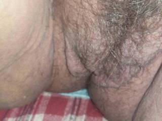 Wants her hairy pussy fucked