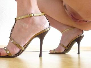 Sexually exciting, and so wonderful to see a Lady with good taste in sexy Heels - Your pussy is truly divine, and if you were in our company I'd probably have a battle on my hands as to whether my Princess or myself got to you first XXXXXXX