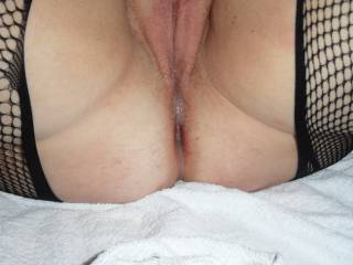 Another close up of C\'s pussy dripping with R\'s cum load, trickling over her little rosebud.