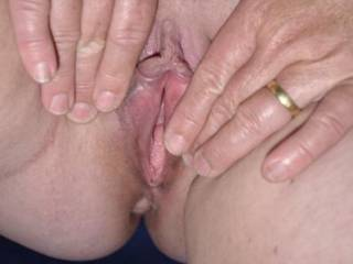 love to be there slidding my cock into her sweet pussy mmmm