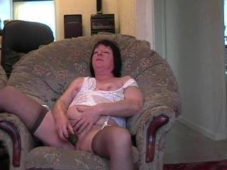 so good to see a real woman enjoying sex so much. Sh'e proof that sex gets better with time and experience. She's brilliant and I want to fuck her so much!
