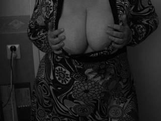 I would like to kiss, lick, nibble on those nice hard nipples