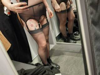 Shopping Sally style, Mirrors camera action!