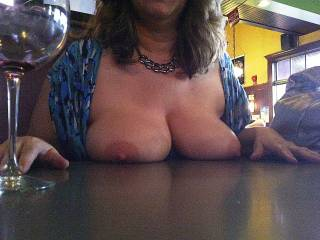 Flashing her tits at the pub
